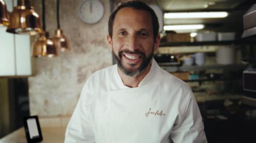 For Uber Eats and Bairro do AvillezModel: Chef José AvillezProdution: Flesh.512